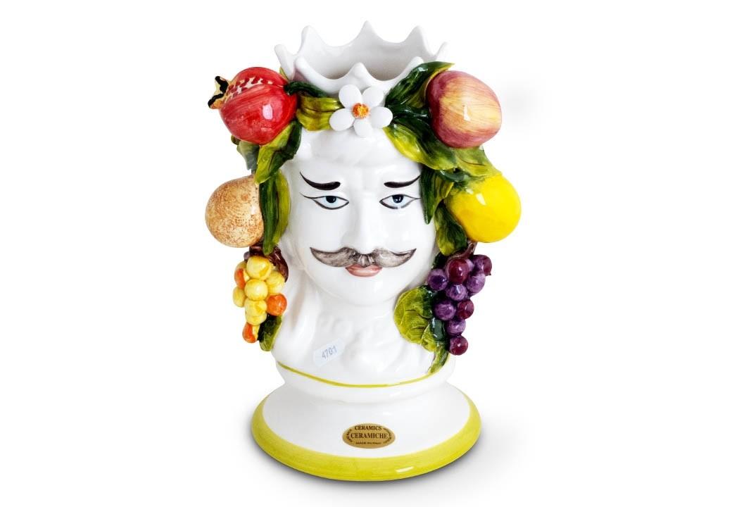 Rei com frutas